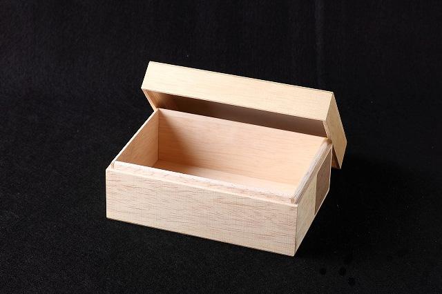 ファルカタ木箱